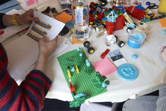 mOn-launch-worktable2.jpg